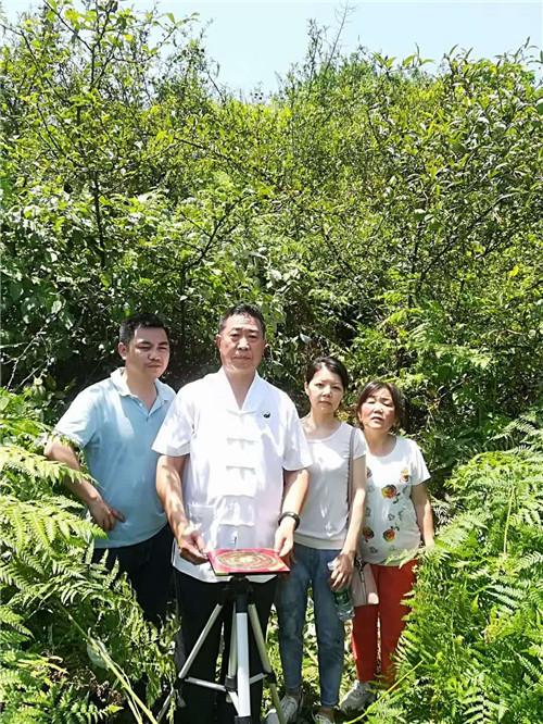 重庆风水大师高浦洪,2020年5月30日在贵州省习水县为福主老板看阴宅风水,精点阴宅墓地。